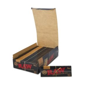RAW Classic Black Rolling Papers - 1 1/4""